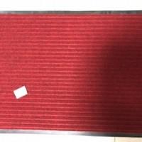 Коврик ворсовый на ПВХ основе 600*900 мм красны ре